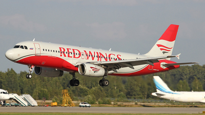 A picture of VPBWX - Airbus A320232 - Red Wings - © Airyura