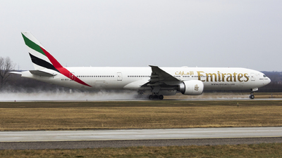 A6-EGY - Boeing 777-31HER - Emirates