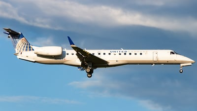 A picture of N11165 - Embraer ERJ145XR - United Airlines - © Devon McCune