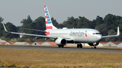 A picture of N970NN - Boeing 737823 - American Airlines - © Julio Letona