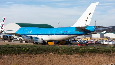 PH-BFH - Boeing 747-406(M) - Untitled