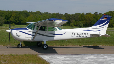 A picture of DEEUU - Cessna 172P Skyhawk P - [17274551] - © Herb Hunter