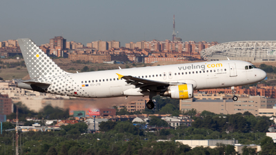 EC-JTQ - Airbus A320-214 - Vueling Airlines