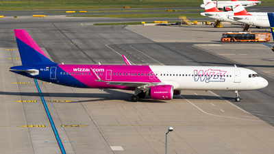 A picture of HALVX - Airbus A321271NX - Wizz Air - © Thomas Ranner