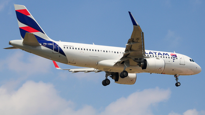 A picture of PRXBE - Airbus A320273N - LATAM Airlines - © fachetti_spotter