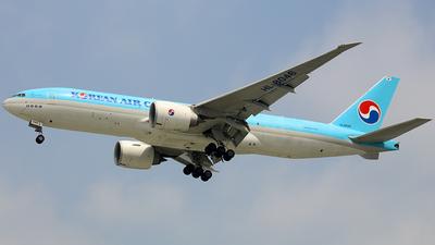 A picture of HL8046 - Boeing 777FB5 - Korean Air - © nguyen tan khai