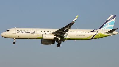 A picture of HL7211 - Airbus A321231 - Air Busan - © REDSOX
