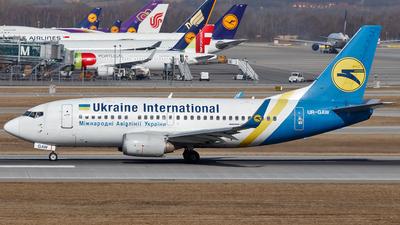 UR-GAW - Boeing 737-5Y0 - Ukraine International Airlines