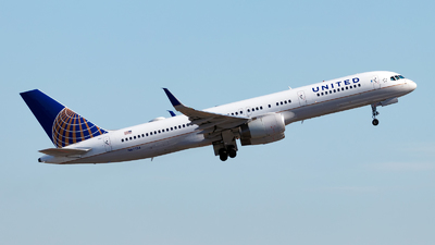 A picture of N67134 - Boeing 757224 - United Airlines - © Oliver Richter