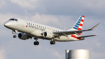 A picture of N441YX - Embraer E175LR - American Airlines - © Daniel Mena