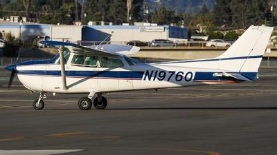 A picture of N19760 - Cessna 172L Skyhawk - [17260729] - © KenKen Huang