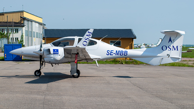 SE-MBB - Diamond DA-42 Twin Star - Scandinavian Aviation Academy