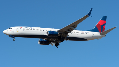 A picture of N827DN - Boeing 737932(ER) - Delta Air Lines - © Kerrigan_Aviation_NJ