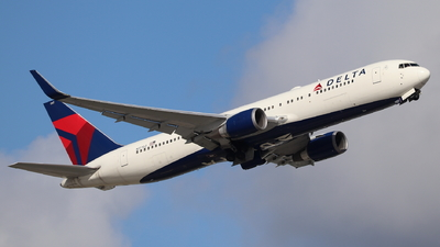 A picture of N177DZ - Boeing 767332(ER) - Delta Air Lines - © Andriy Yegorov