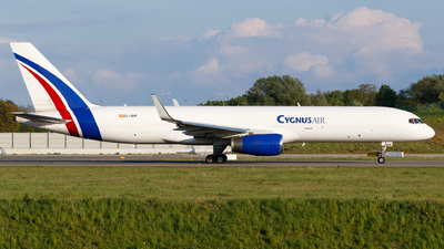 A picture of ECNHF - Boeing 757223(PCF) - Cygnus Air - © Matteo Lamberts