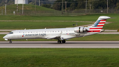 A picture of N543EA - Mitsubishi CRJ702ER - American Airlines - © Jeremy D. Dando