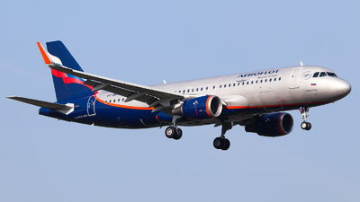 A picture of VPBKP - Airbus A320214 - Aeroflot - © Vitaly Revyakin