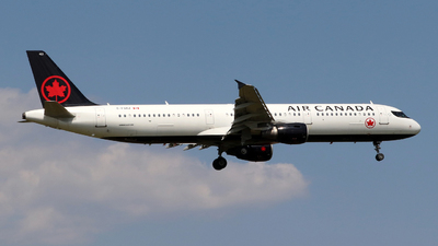 A picture of CFGKZ - Airbus A321211 - Air Canada - © Guy Langlois