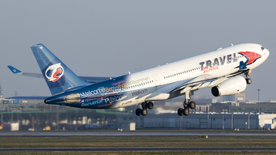 C-GTSI - Airbus A330-243 - Travel Service Poland (Air Transat)