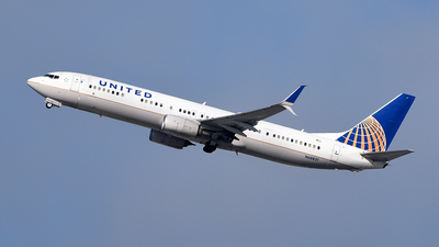 A picture of N68821 - Boeing 737924(ER) - United Airlines - © Rocky Wang