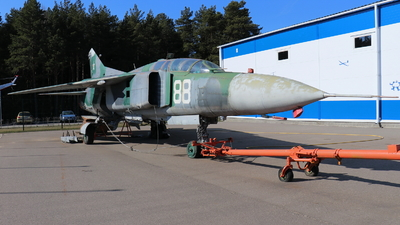 88 - Mikoyan-Gurevich MiG-23UB Flogger C - Belarus - Air Force