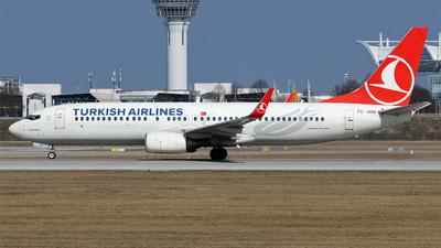 A picture of TCJHN - Boeing 7378F2 - Turkish Airlines - © Hugo Schwarzer
