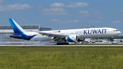 9K-AOM - Boeing 777-369ER - Kuwait Airways