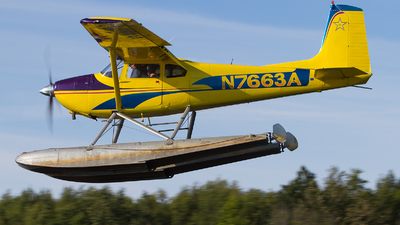 N7663A - Cessna 180 Skywagon - Private