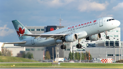 C-GQCA - Airbus A320-211 - Air Canada