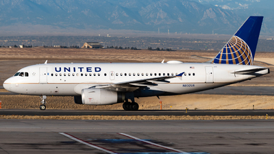 A picture of N832UA - Airbus A319131 - United Airlines - © Michael Place