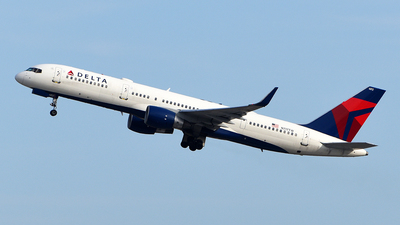A picture of N717TW - Boeing 757231 - Delta Air Lines - © Rocky Wang