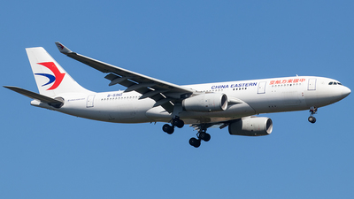 A picture of B5961 - Airbus A330243 - China Eastern Airlines - © Niklas Engel
