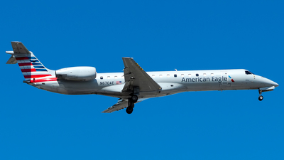 A picture of N670AE - Embraer ERJ145LR - American Airlines - © Lorenzo P
