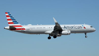 A picture of N123NN - Airbus A321231 - American Airlines - © Arno Vesterholm