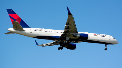 N819DX - Boeing 757-26D - Delta Air Lines