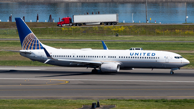 N63820 - Boeing 737-924ER - United Airlines