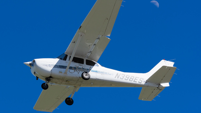 N398ES - Cessna 172R Skyhawk - Private