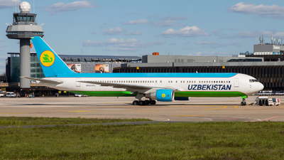UK67004 - Boeing 767-33P(ER) - Uzbekistan Airways