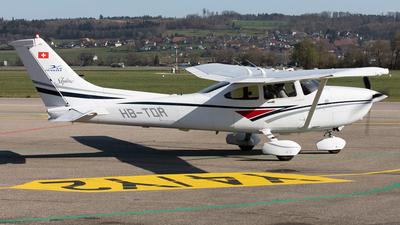 A picture of HBTDR - Cessna 182S Skylane - [18280395] - © Alexandre Fazan