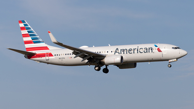 A picture of N317PG - Boeing 737823 - American Airlines - © Yixin Chen