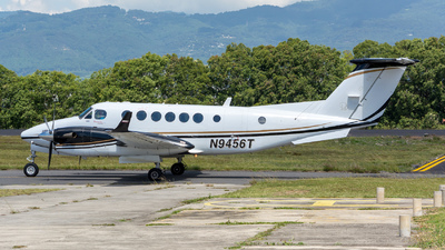 N9456T - Beechcraft B300C King Air 350C - Private