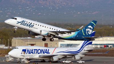 A picture of N635QX - Embraer E175LR - Alaska Airlines - © Angel Natal