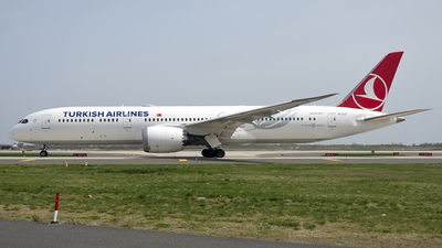 A picture of TCLLF - Boeing 7879 Dreamliner - Turkish Airlines - © Mark Szemberski