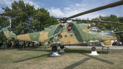 104 - Mil Mi-24D Hind D - Hungary - Air Force