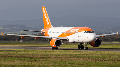 A picture of GEZIY - Airbus A319111 - easyJet - © Kyle McKinlay