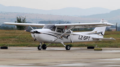 LZ-SPT - Cessna 172N Skyhawk II - Private