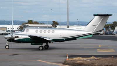 A picture of VHLWO - Beech B200 Super King Air - [BB1643] - © Mitch Coad