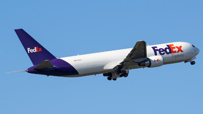 A picture of N159FE - Boeing 7673S2F(ER) - FedEx - © Evan Dougherty