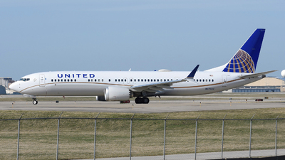 A picture of N37506 - Boeing 737 MAX 9 - United Airlines - © DJ Reed - OPShots Photo Team