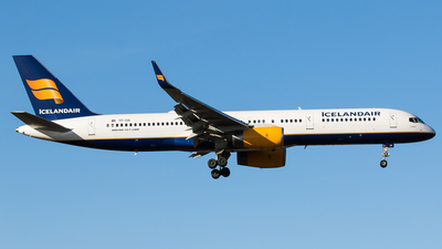 A picture of TFISK - Boeing 757223 - Icelandair - © Teemu Pesonen